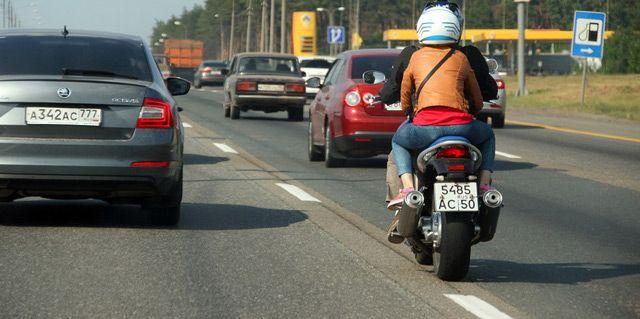 Мотоциклисты также должны знать ПДД
